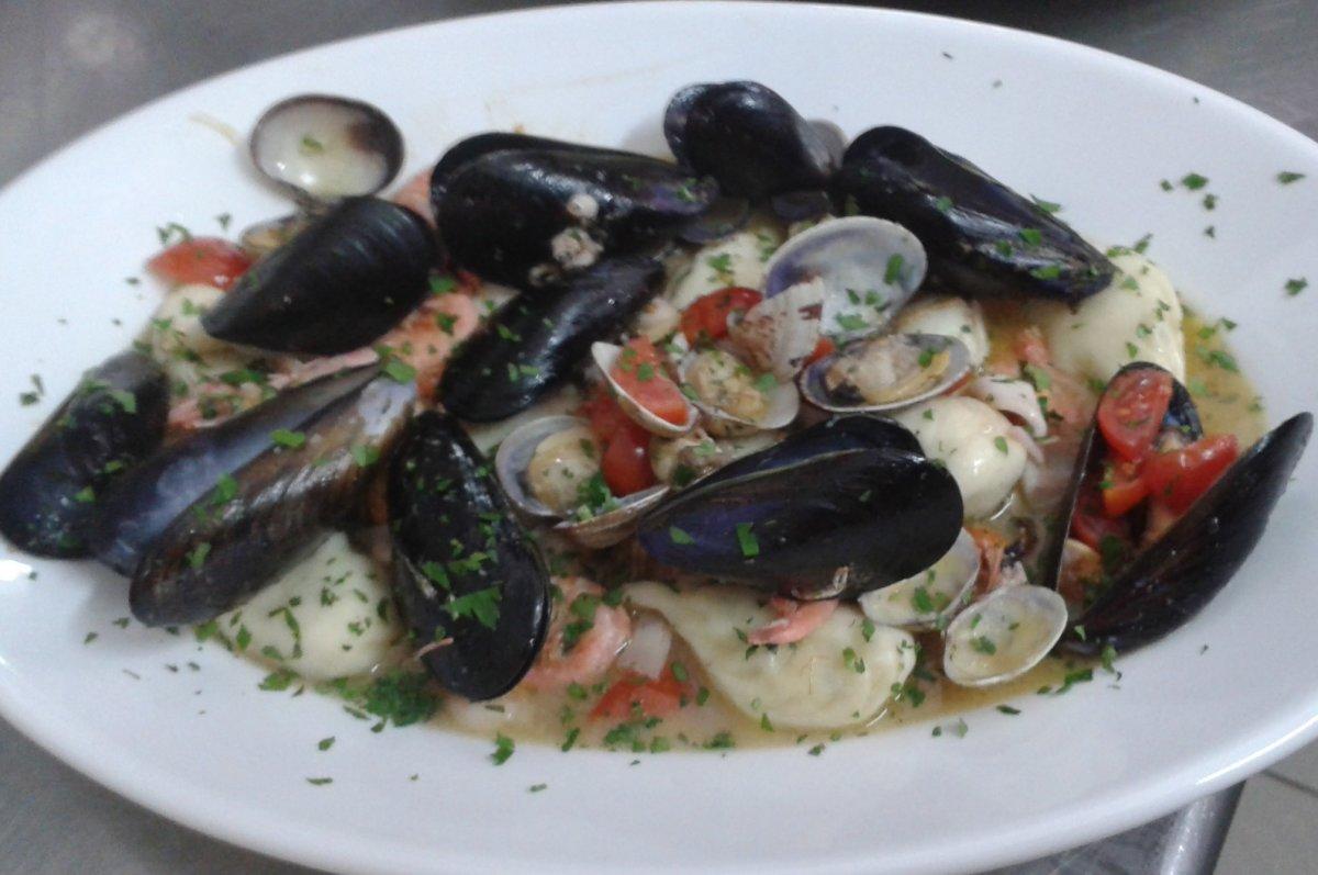 Culurgiones_allo_Scoglio_del_ristorante_Le_Vecchie_Carceri_Castiadas